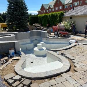Construction de spa et de bain tourbillon en béton
